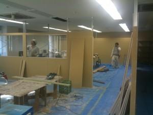 事務所 間仕切り壁 工事