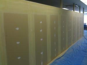 事務所の間仕切り壁 クロス下地がおわりました